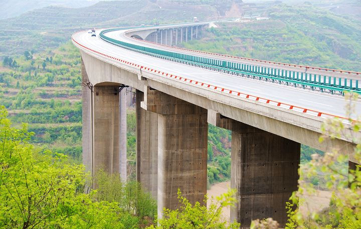 亚洲第一高墩大桥----建设成就--中国城乡建设协会